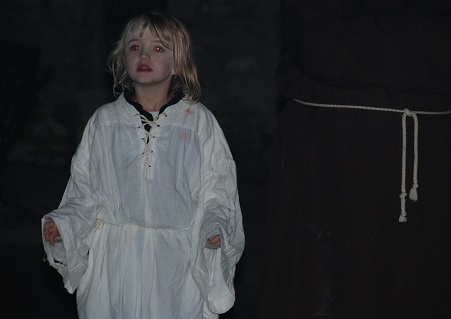 Elena Grud als Opfer bei Dracula