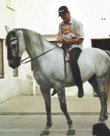 Elena Baby Pferd